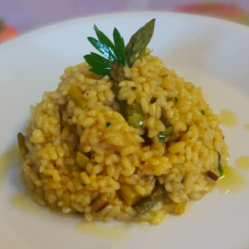 Risotto with saffron and asparagus