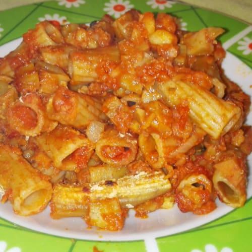 Macaroni with meat sauce 'Special Vegan