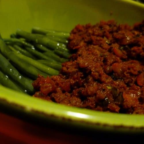 Judías verdes con salsa de carne