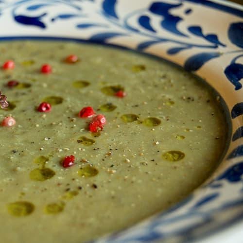 Sopa de lenteja con fragancia hinojo