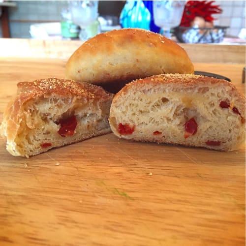 Sandwiches rústicas con tomates secados al sol