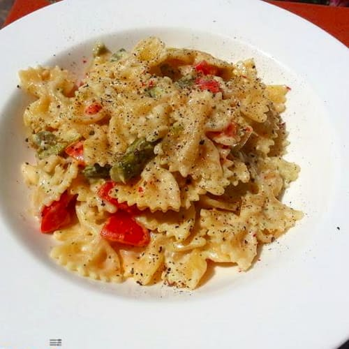 Farfalle with ricotta and almond pesto, asparagus and cherry tomatoes
