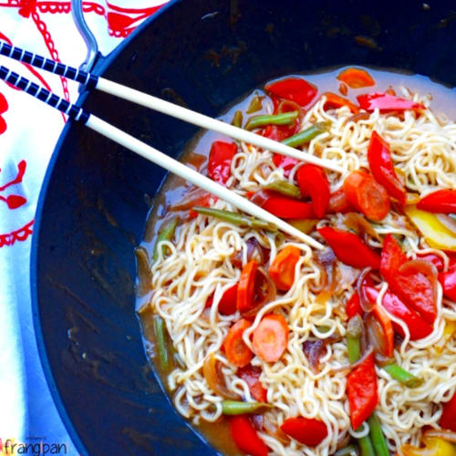 Noodles with vegetables in sweet and sour