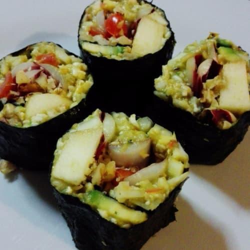 Sushi de alimentos crudos