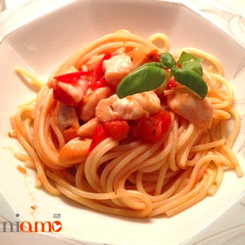 Spaghetti with cherry tomatoes and st jacques