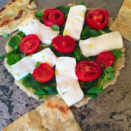 texto torta con tomate y queso fresco