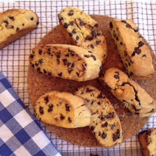 Biscotti rice, with hazelnuts and dark chocolate chips