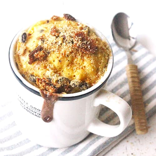 Mug cake with cookies and ice cream with dark chocolate