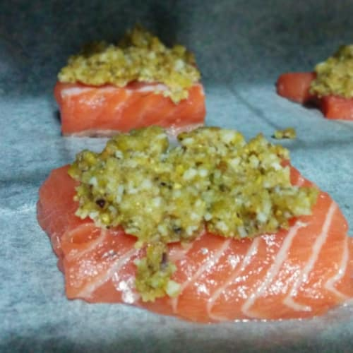 Filetto di salmone in crosta di pistacchio