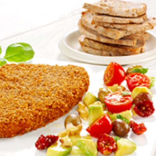 Fine schnitzel with tasty salad