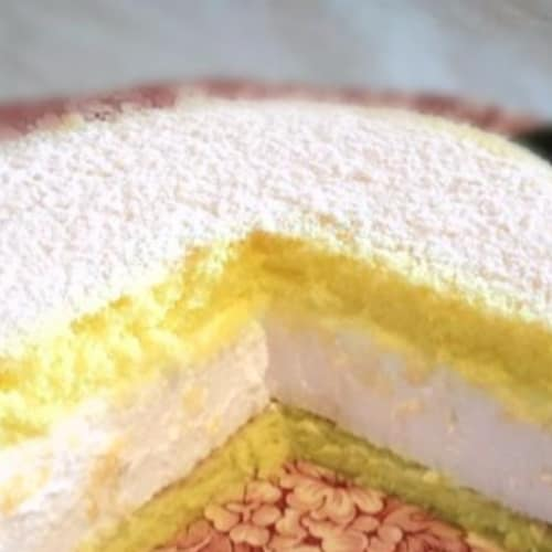 Cake with ricotta mousse
