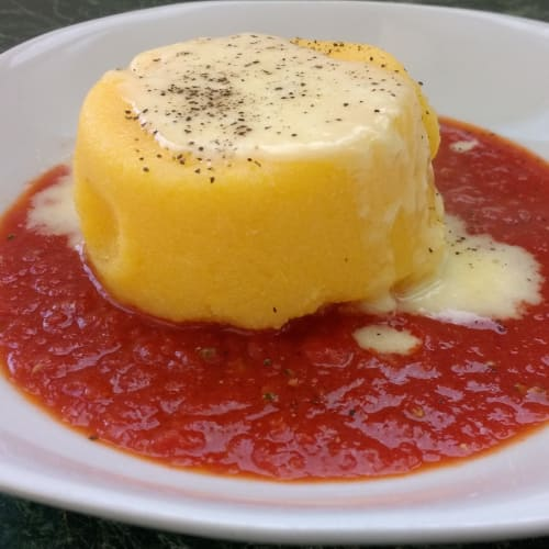 Tortino di polenta con taleggio