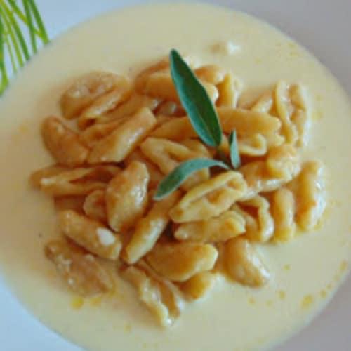 calabaza cavati en fondue de queso
