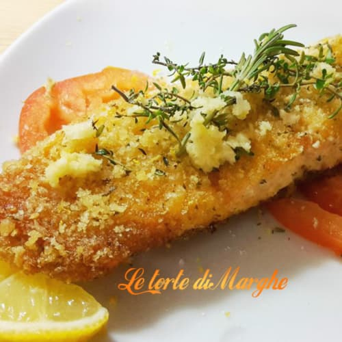 Fillet of salmon baked in bread crust
