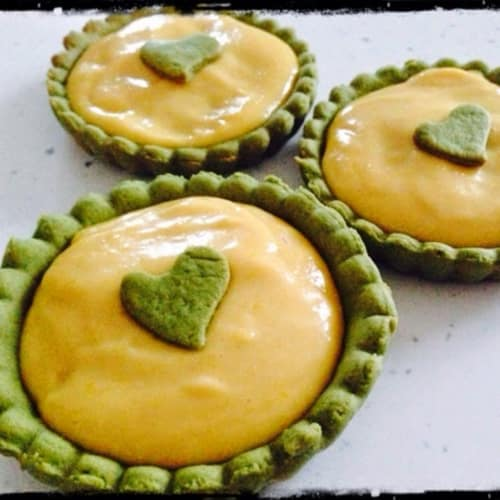 Crostatine al the matcha con lemon curd