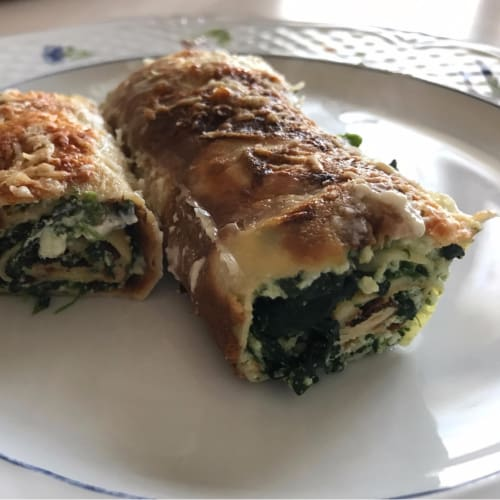 Crepes with spinach and ricotta