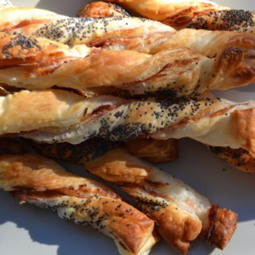 Bread sticks of puff pastry