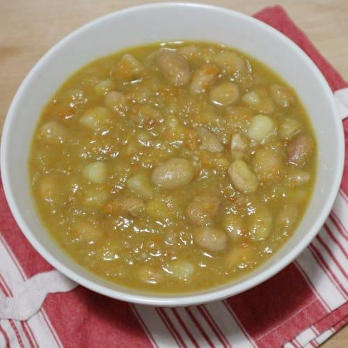 Zuppa di fagioli borlotti freschi