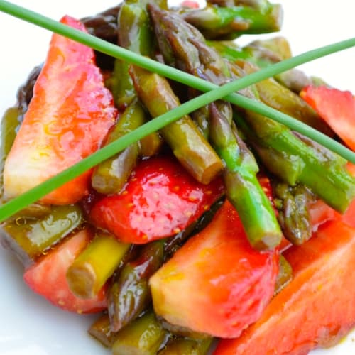 Asparagus salad and strawberries