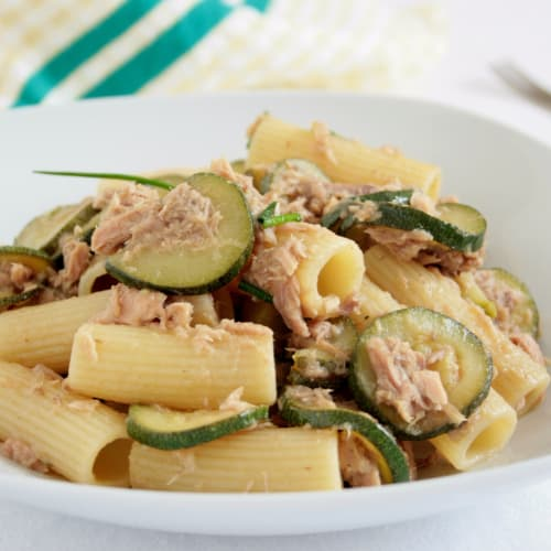 Rigatoni with tuna and courgette