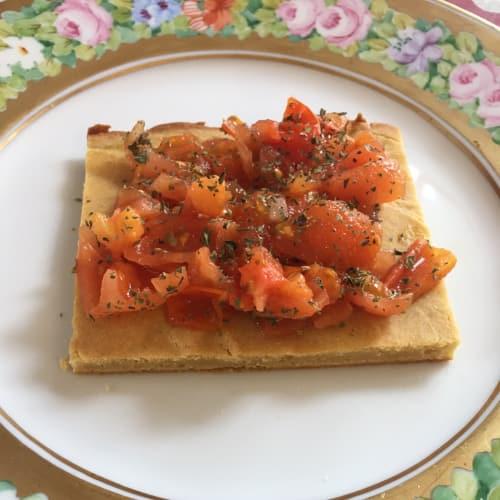 Porridge with cherry tomatoes