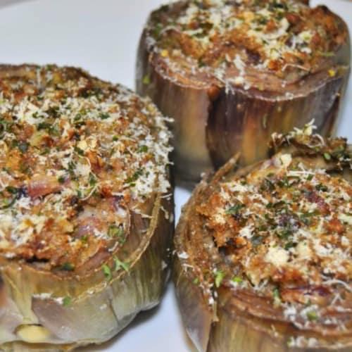 Violetas al horno alcachofas rellenas