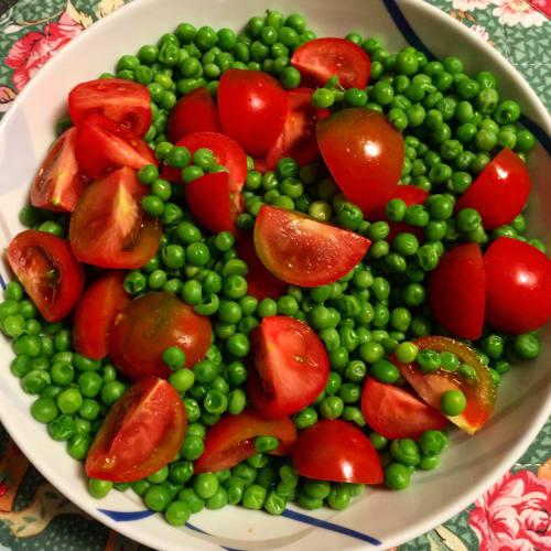 Peas and tomatoes Sardinian