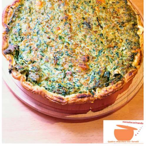 Torta salata con puntarelle e salsiccia