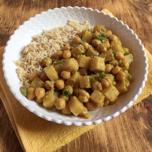 Curry nabo y apio garbanzos de coco