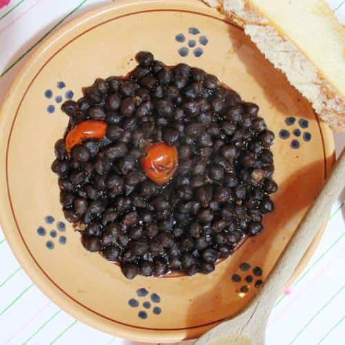 sopa de garbanzos negros