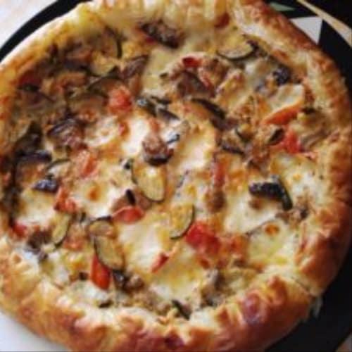 Quiche de calabacín con berenjenas y tomates