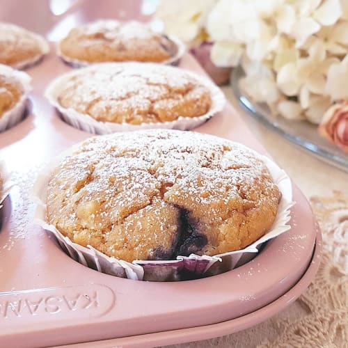 Muffin con farina di riso, frutta secca e mirtilli