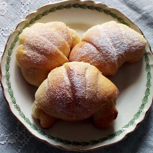 Light brioche with mother yeast