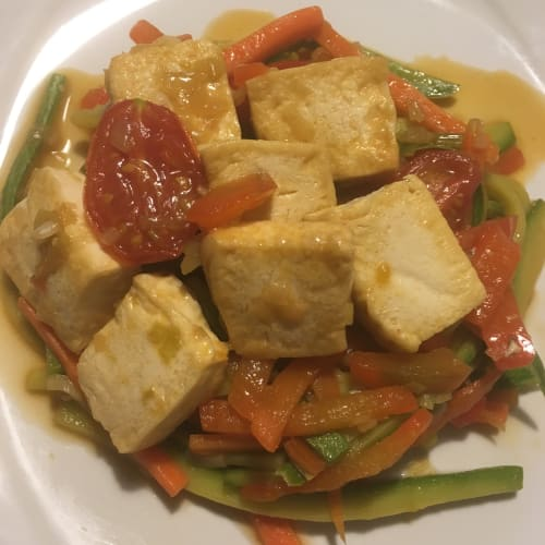Tofu sliced ​​with vegetables