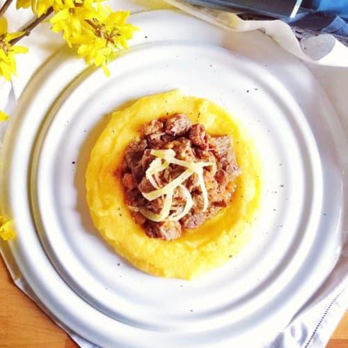 Estofado de ternera con crema de polenta