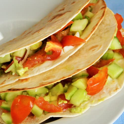Tortillas con aguacate, pepino y tomate