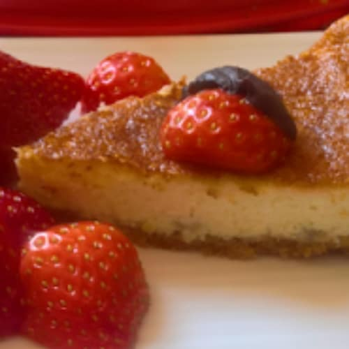 Pastel de queso con fresas y chocolate
