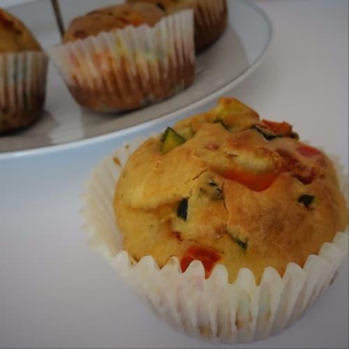 Muffin Salati senza glutine con zucchine e peperoni