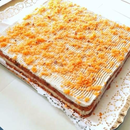Torta de zanahoria de alimentos crudos vegan