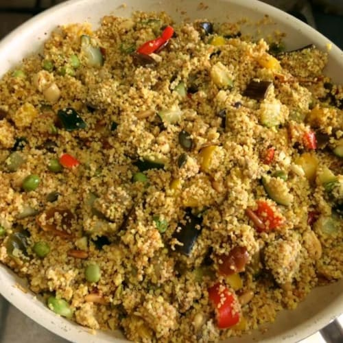 Cous Cous di verdure, frutta secca, legumi e spezie