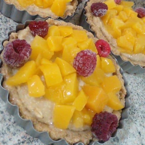 Oatmeal tart with peach