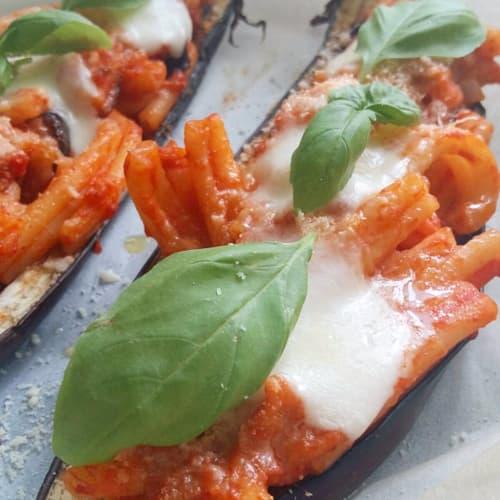 Berenjena pasta rellena, berenjena frita y mozzarella