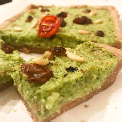Crostata vegana di zucchine pinoli uvetta