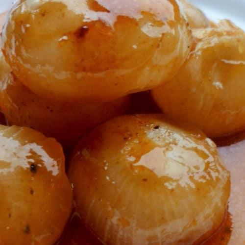 cebollas de primavera en salsa de barbacoa