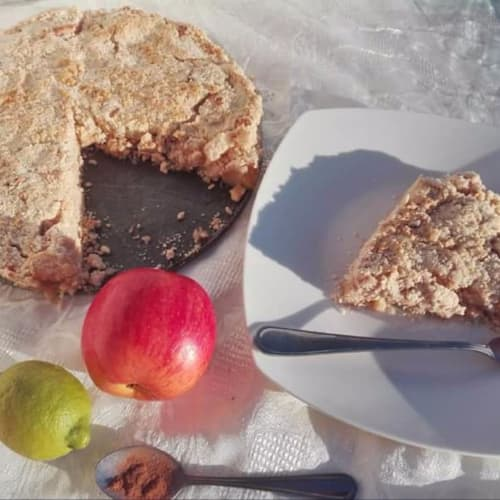 Oat and apple crumble
