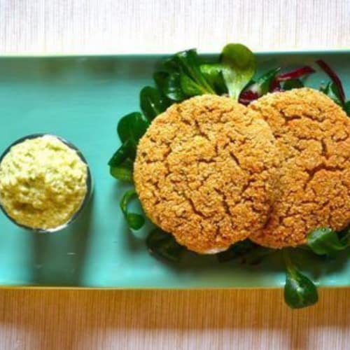 Chickpea and real quinoa burger with avocado mayonnaise