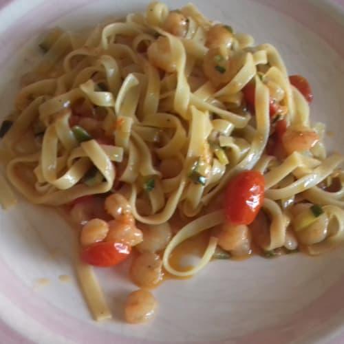 Tagliolini shrimp zucchini tomato picadilly
