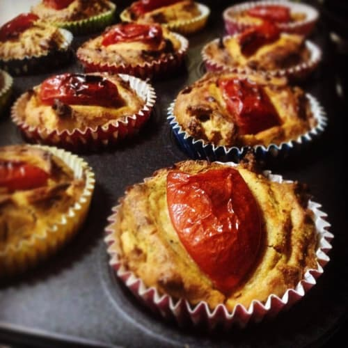 Muffin potatoes and tomatoes
