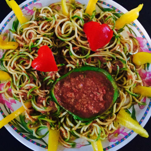 Spaghetti di zucchine in salsa guacacuore