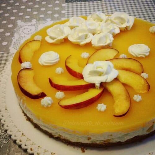Pastel de queso con la nectarina
